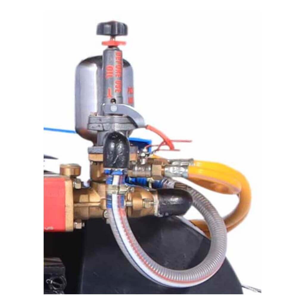 Hydraulic agitation for enhanced spray quality